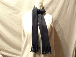 Great Condition Dark Green Fringe Strand Ends Scarf