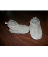 Old Navy Toddler Unisex Gray Houseshoes Slippers Size 9 - $1.25
