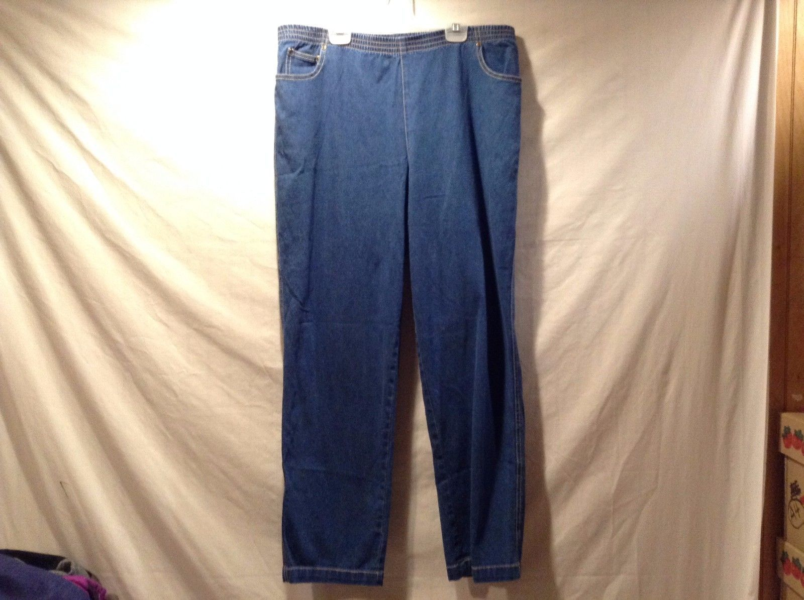 Great Condition City Blues Koret Size 12 Petite 98% Cotton 2% Spandex Jeans