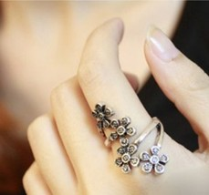 Flower Cluster Ring(Color:Antique Bronze /Antique Silver ) - $2.99