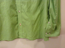 Orvis Men's Size M Button Down Shirt Textured Light Green Utility Chest Pockets image 2