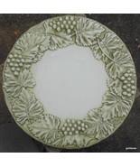 """Rare  WILLIAMS SONOMA Napa Green&  Cream Grape 9"""" Salad Plate - $15.00"""