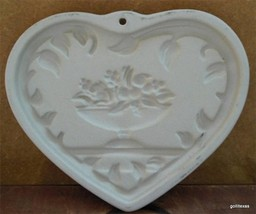 "Pampered Chef Stoneware Cookie Mold ""Come to the Table Heart"" 2000 6"" - $24.40"