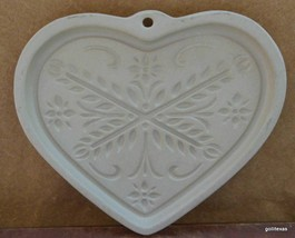 "Pampered Chef Stoneware Cookie Mold ""Anniversary  Heart"" 2000 6"" - $24.40"