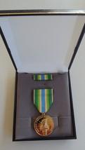 Usmc Fleet & Marine Corps Unissued Cased Armed Forces Ia Service Medal Set #13 - $29.69