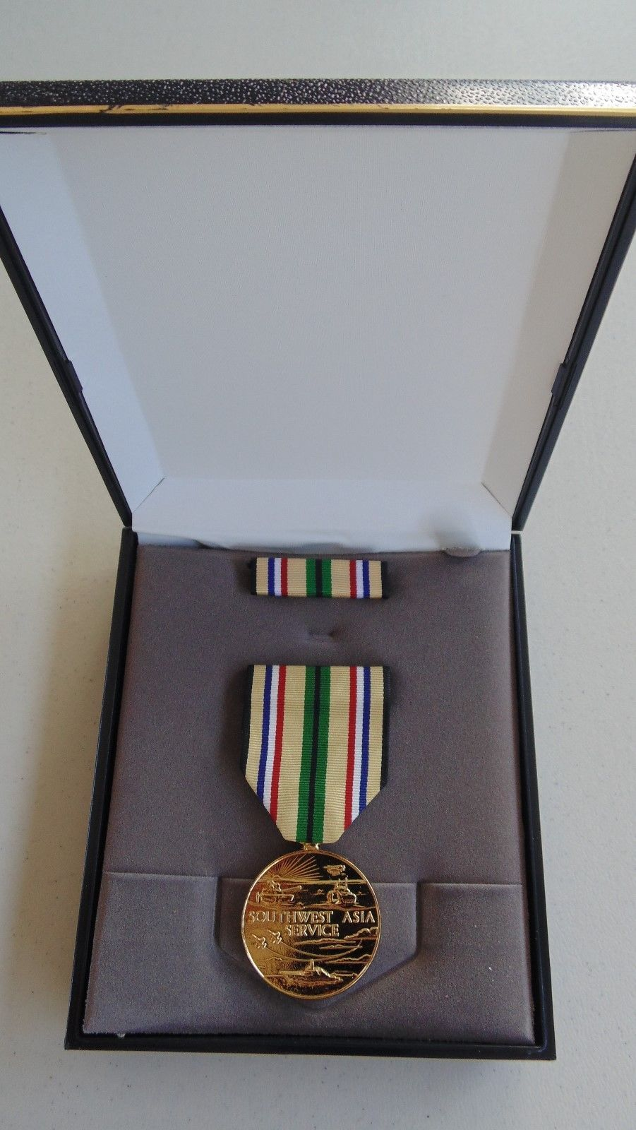 Primary image for USMC MARINE CORPS & FLEET MARINES UNISSUED CASED S/W ASIA SERVICE MEDAL SET #11