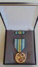 Usmc Marine Corps & Fleet Marines Unissued Cased Volunteer Service Medal Set #14 - $29.69