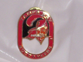 Tampa Bay Buccaneers Pin Throwback Hat Lapel NFL Football Vintage Retired  - $19.95