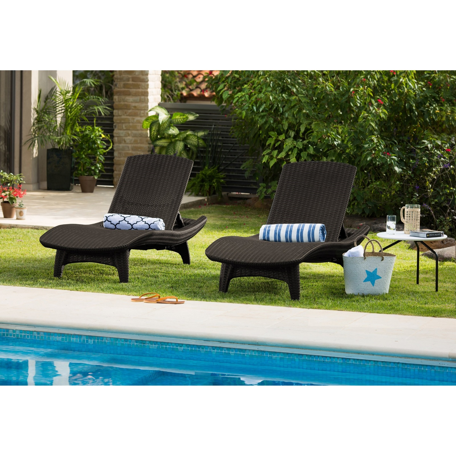 chaise lounges table set outdoor patio pool furniture 3 pc lounger brown wicker lounges. Black Bedroom Furniture Sets. Home Design Ideas