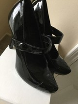 Womens Gianni Bini black patent heel pumps with... - $15.87