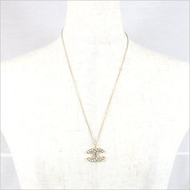 AUTHENTIC CHANEL GOLD CC LOGO PEARL CRYSTAL PENDANT NECKLACE MINT image 4