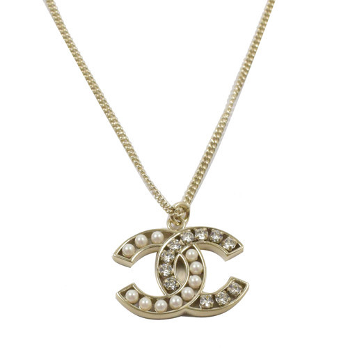 AUTHENTIC CHANEL GOLD CC LOGO PEARL CRYSTAL PENDANT NECKLACE MINT