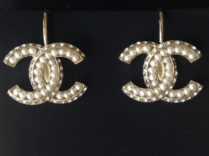 AUTH 2016 CHANEL Crystal Pearl Large CC Logo Dangle Drop Earrings RARE