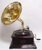 vintage gramophone ready to use, Antique home decor, working phonograph, shellac - $399.00