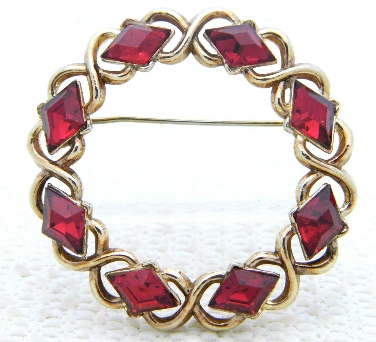 Primary image for VTG CROWN TRIFARI Patent Pending Red Rhinestone Diamond Wreath Pin Brooch