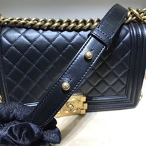 AUTHENTIC CHANEL LE BOY BLACK QUILTED CALFSKIN MEDIUM FLAP BAG RHW image 5