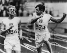 Ben Cross and Ian Charleson in Chariots of Fire Classic Finish line Scene 16x20  - $69.99