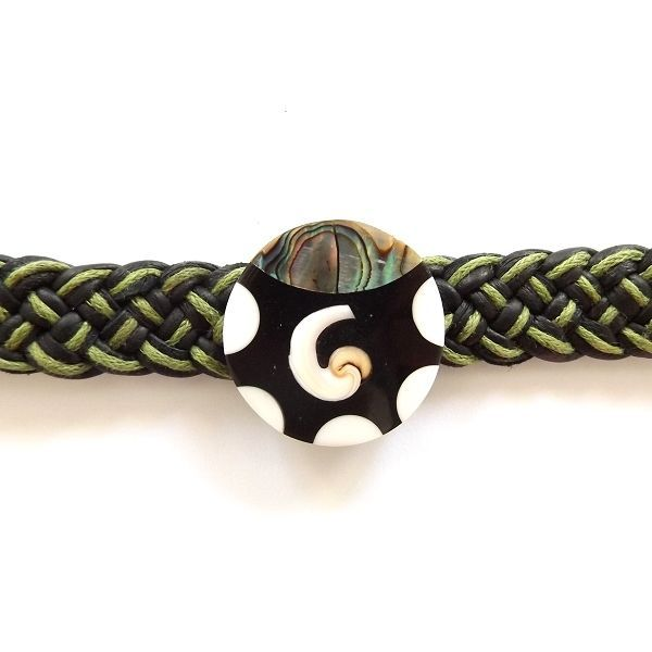 GREEN BLACK LEATHER WOVEN TIE ON FRIENDSHIP BRACELET WITH ABALONE SHELL SWIRL image 2