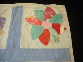 Small hand made square quilt with flowers vintage image 2