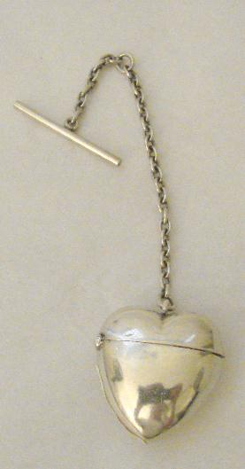 STERLING HEART FOB/PILL HOLDER