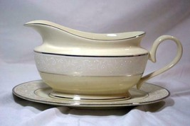 Lenox 2019 Pearl Innocence Gravy Boat With Detached Under Plate New - $149.68