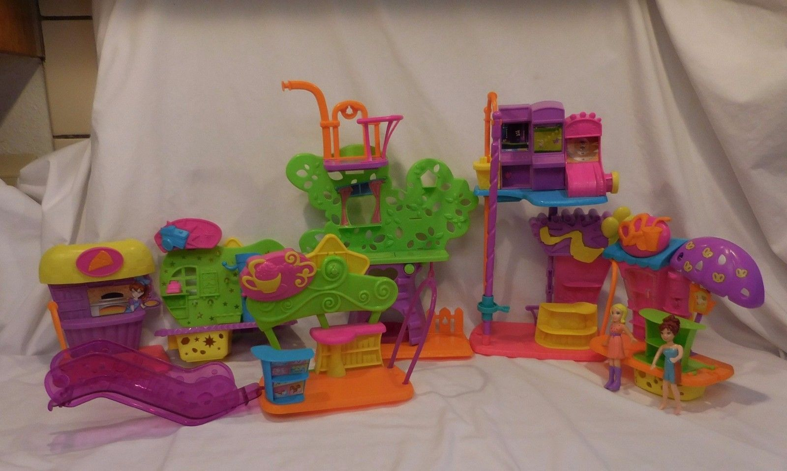 Polly Pocket Wall Party Tree House Playset Plus so much more and Dolls