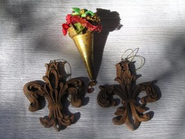 Estate Lot of 3 Ornate Rusty Brown Fleur Di Lis & Flower Bouquet Christm... - $9.49