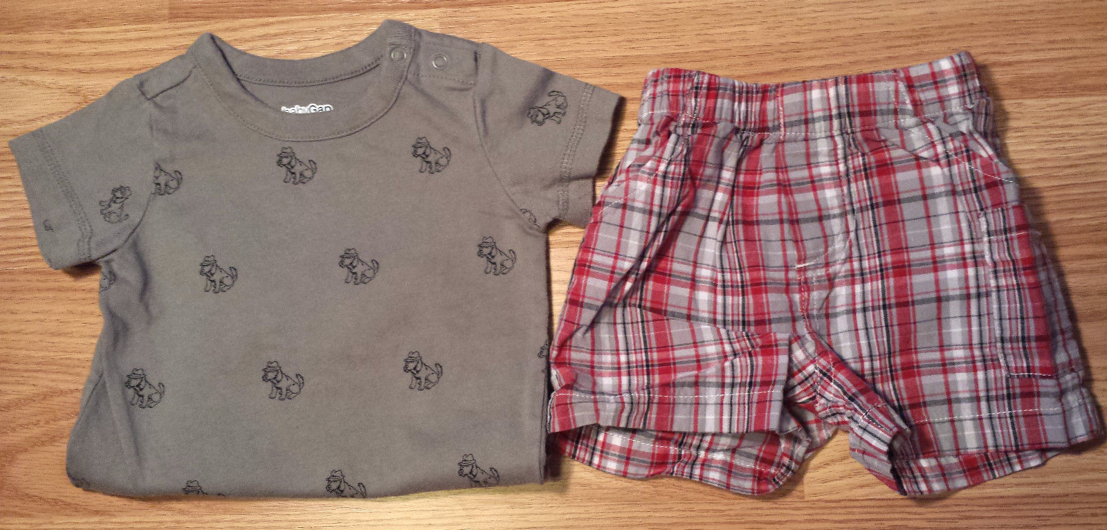 Boy's Size 3-6 M Months Two Piece Gray Baby Gap Sleuth Dog Top & Plaid Shorts