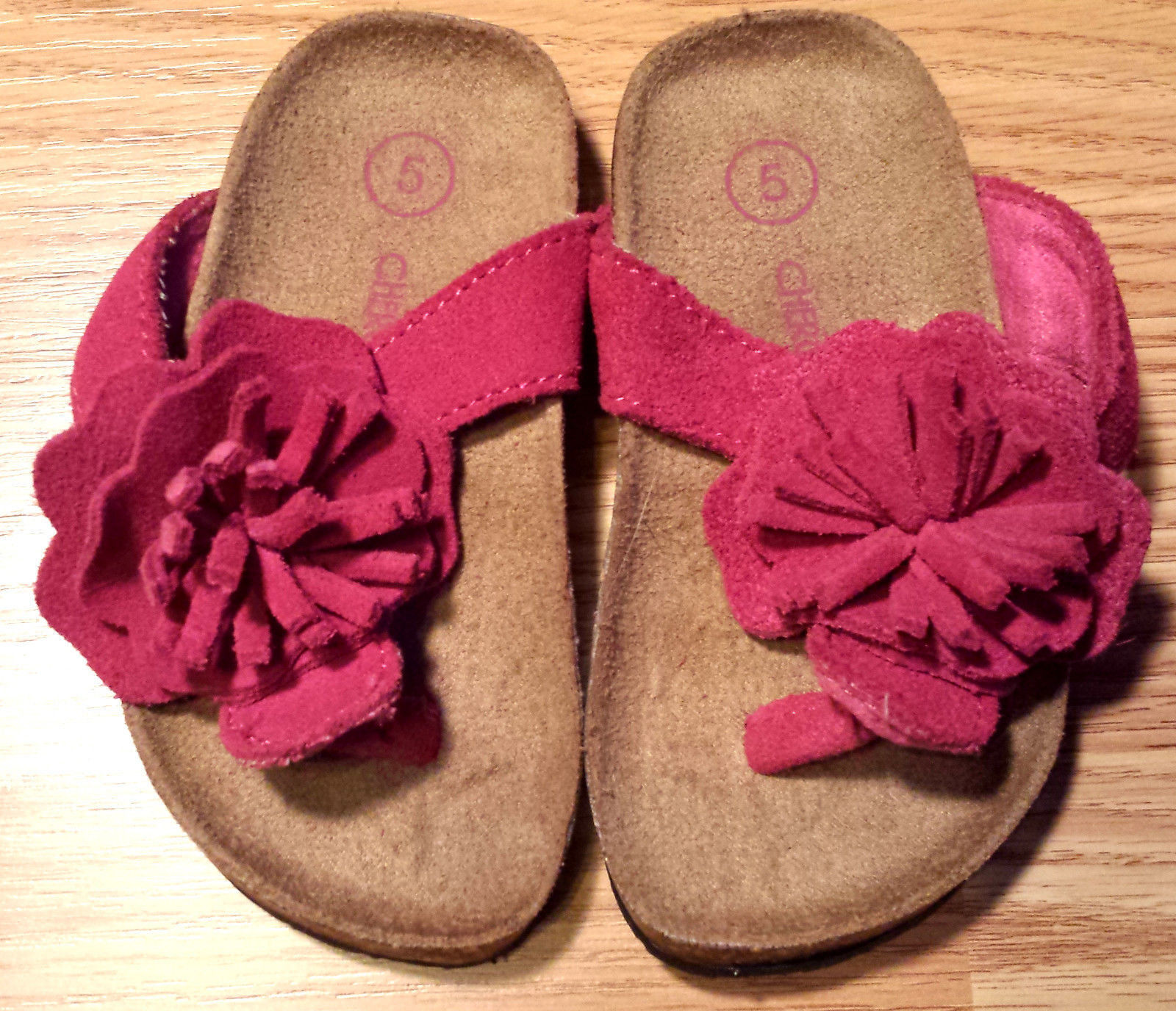 Girl's Size 5 Baby Toddler Pink Leather Upper Floral Designed Cherokee Sandals