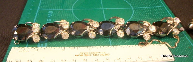 unsigned vintage pear shape jet crystals in silver metal demi parure 3896