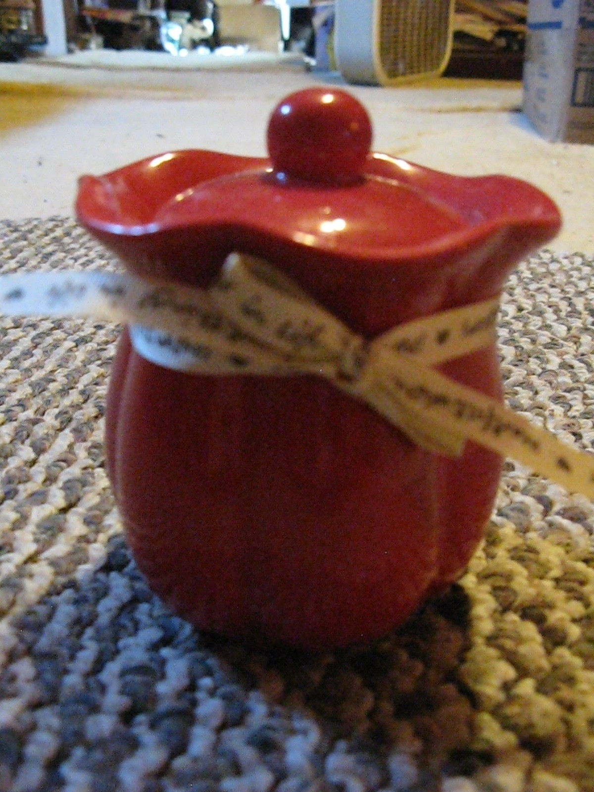 Sweetthings In Life, Heartfelt Wishes Red Candle  in Ceramic Jar