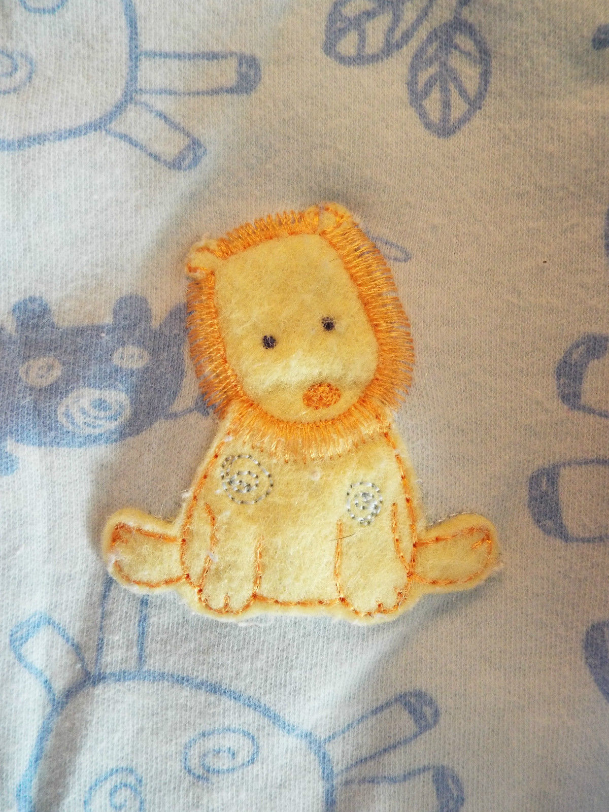 Boy's Size NB Newborn One Piece Carter's Blue Lion Embroidered Footed Pajama
