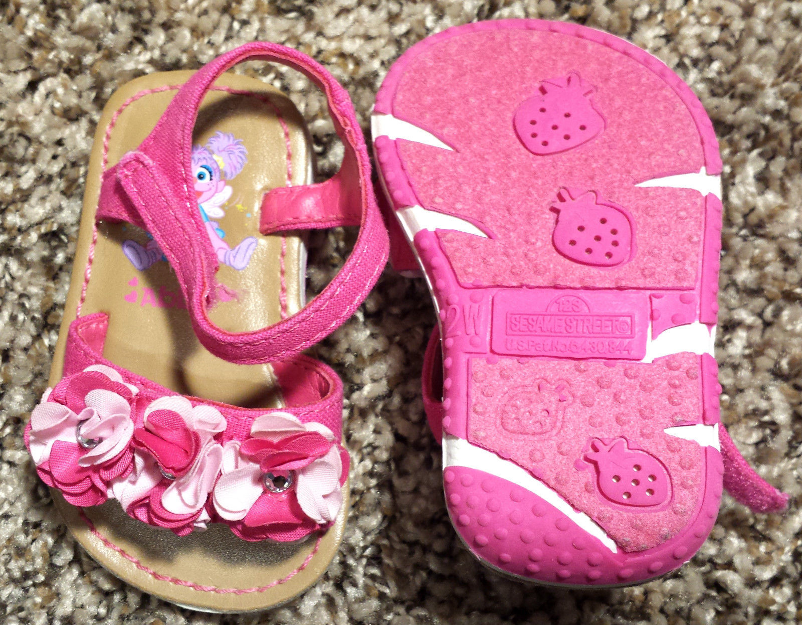 Girl's Size 2 Pink Floral & Rhinestone Sesame Street Baby Toddler Sandals