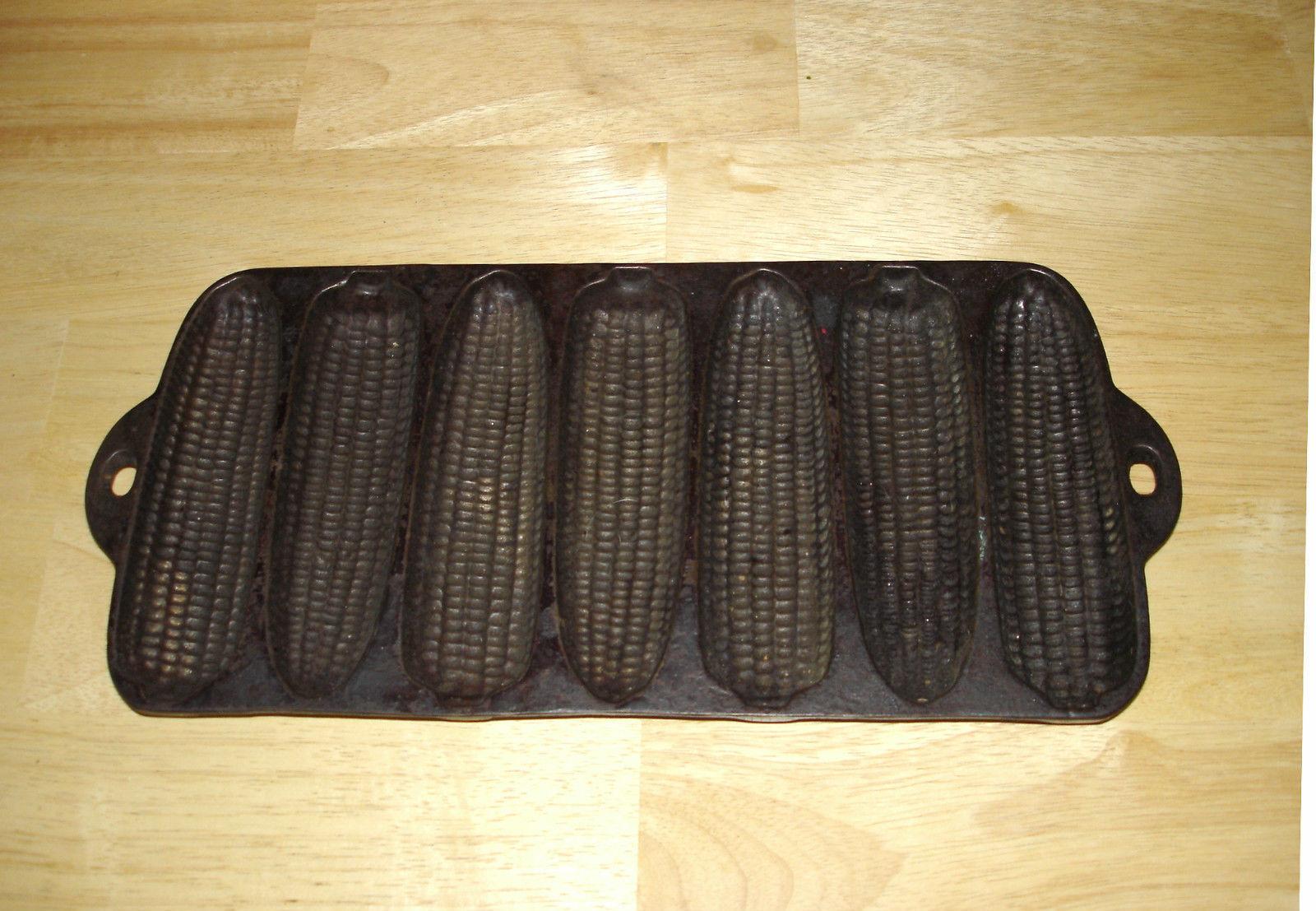 "Cast Iron Metal 7 Stick Corn Shaped Bread Pan Muffin Pan USA ""V"""