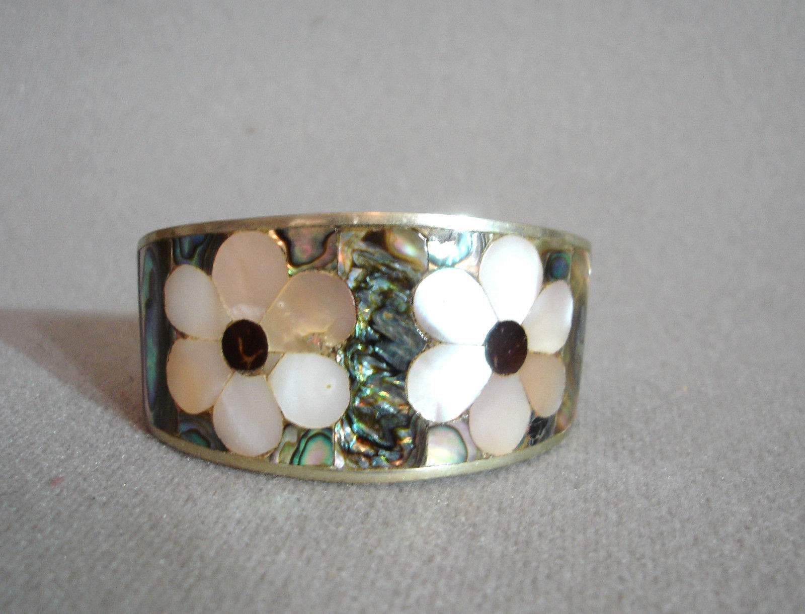Vintage Sterling Hencho en Mexico Mother of Pearl/Abalone Cuff Bracelet
