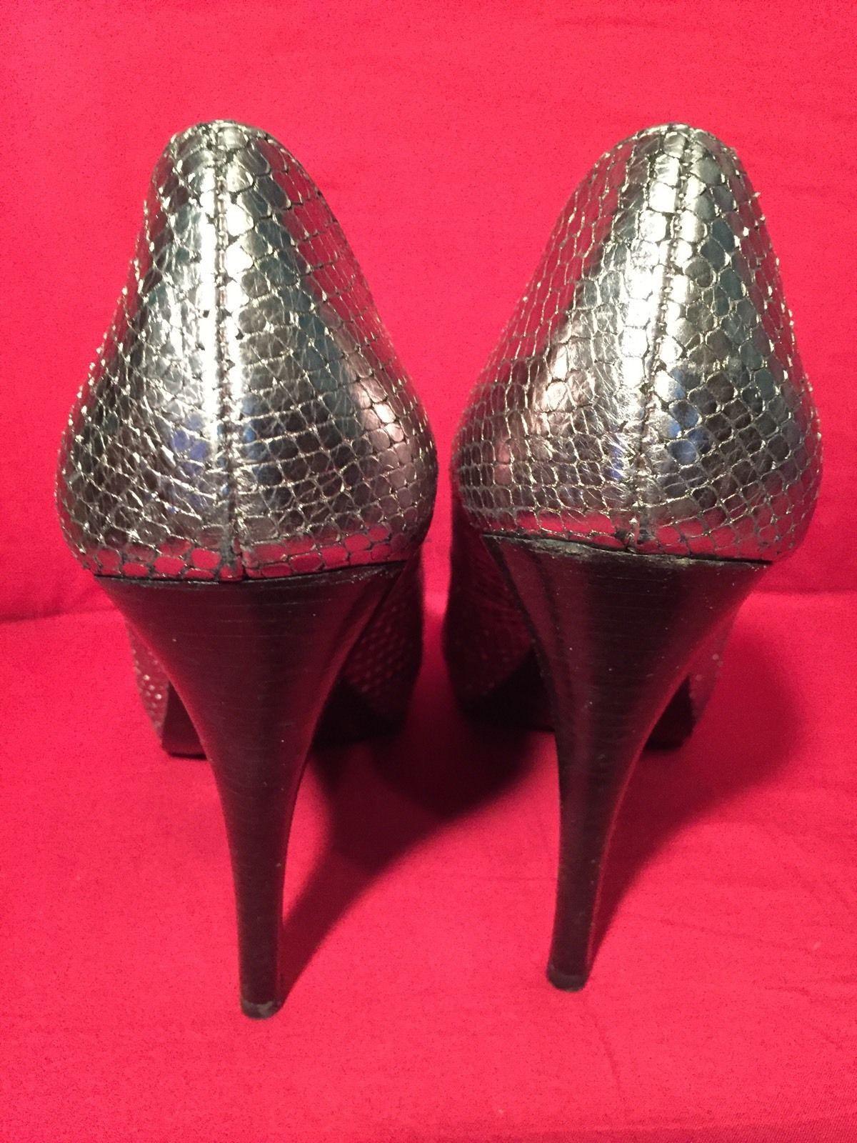 PELLE MODA LADIES  Silver Snake Embossed High Heels - SIZE 7 M