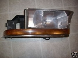 1995 1996 ROADMASTER SEDAN HEADLIGHT RIGHT OEM USED ORIGINAL BUICK GM PART - $167.31