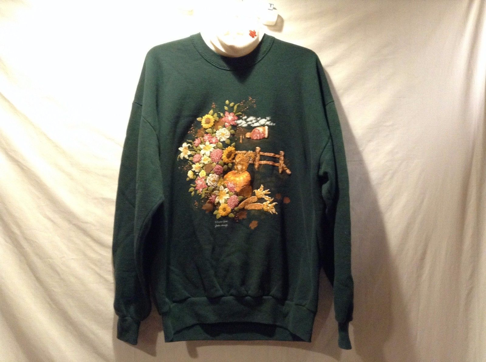 Great Condition Gopher Sport XL Green Long Sleeve Sweater Fall Print