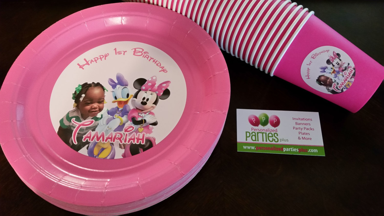 Minnie Mouse plates and cups for birthdays: Various styles