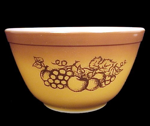77969a pyrex fruit harvest 1.5 pt mixing bowl 401 corning