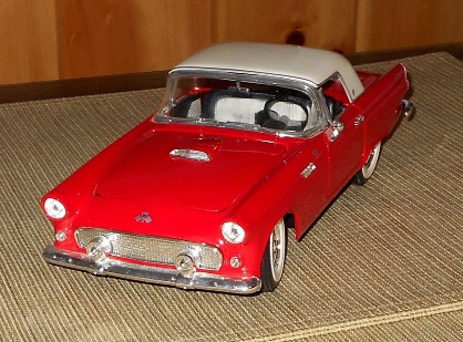 Road Legends 1955 Ford Thunderbird 1:18 Scale Original Box & Packaging, c 1997