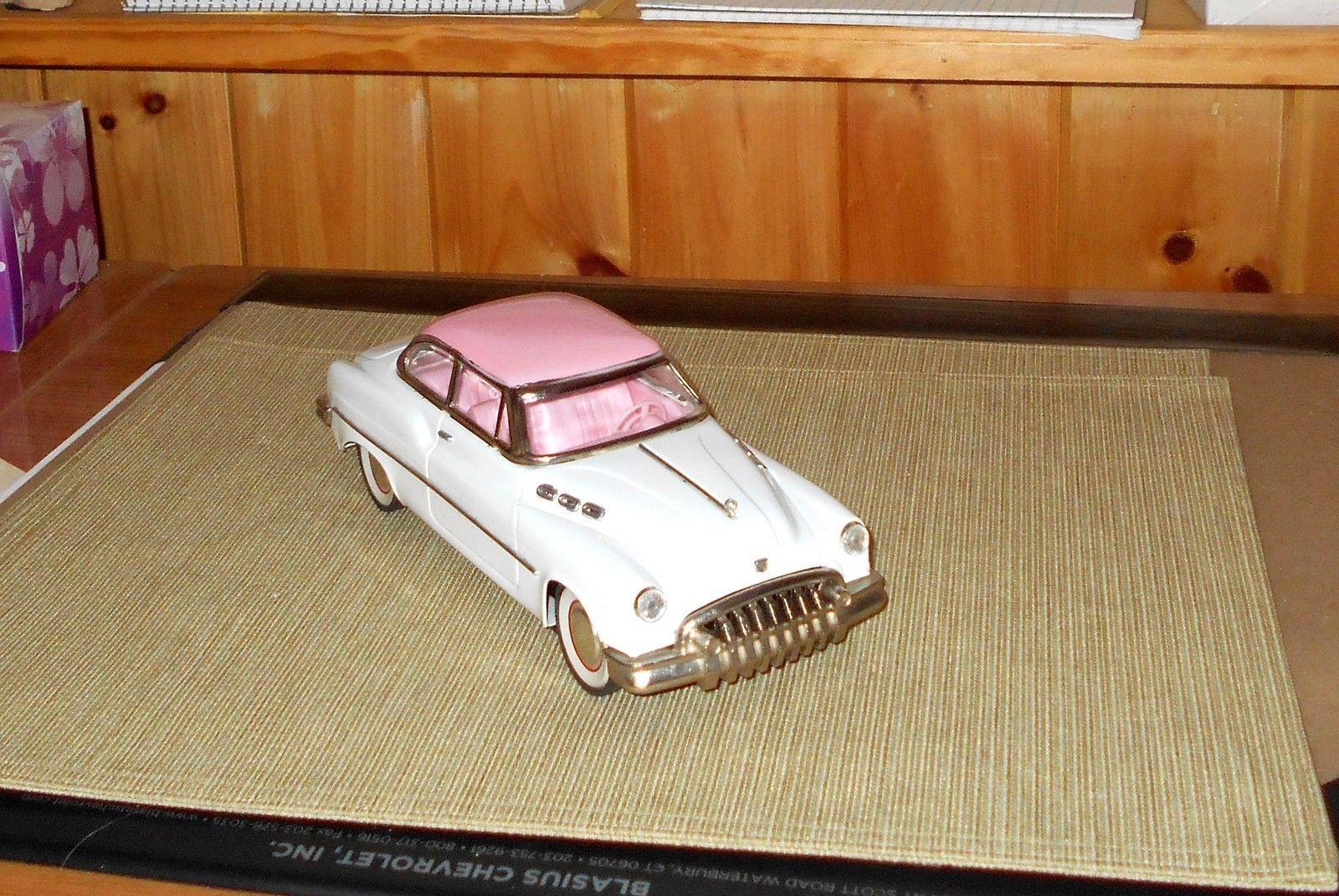 "1950 Buick Roadmaster 2-Door Hardtop Friction Car 11"" White & Pink"