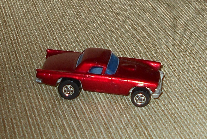 Hot Wheels '57 1957 T-Bird c Mattel 1977, Hong Kong - Cranberry Red Metallic?