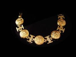 Vintage English Lion Crest bracelet / Renaissance jewelry / lion shield ... - $45.00