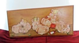 Mid Century Key Rack Holder Kitchen Plaque Painted Wooden Wall Mount  La... - $12.53