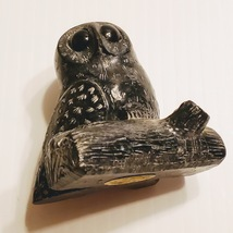 VINTAGE WOLF ORIGINAL HAND MADE CANADA SOAPSTONE OWL ON A LOG FIGURINE - $15.00