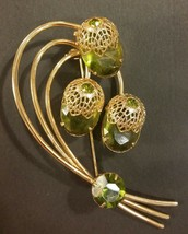 Vintage Sarah Coventry Brooch &Earring Set - $18.81