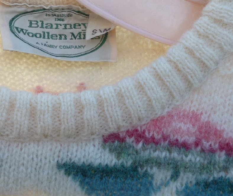 BLARNEY WOOLEN MILLS pure new wool floral rose design pullover Sweater sz S / M