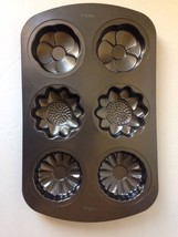 Wilton Flowers Mini Cake Pan 6 Cavity 3 Flowers - $18.79