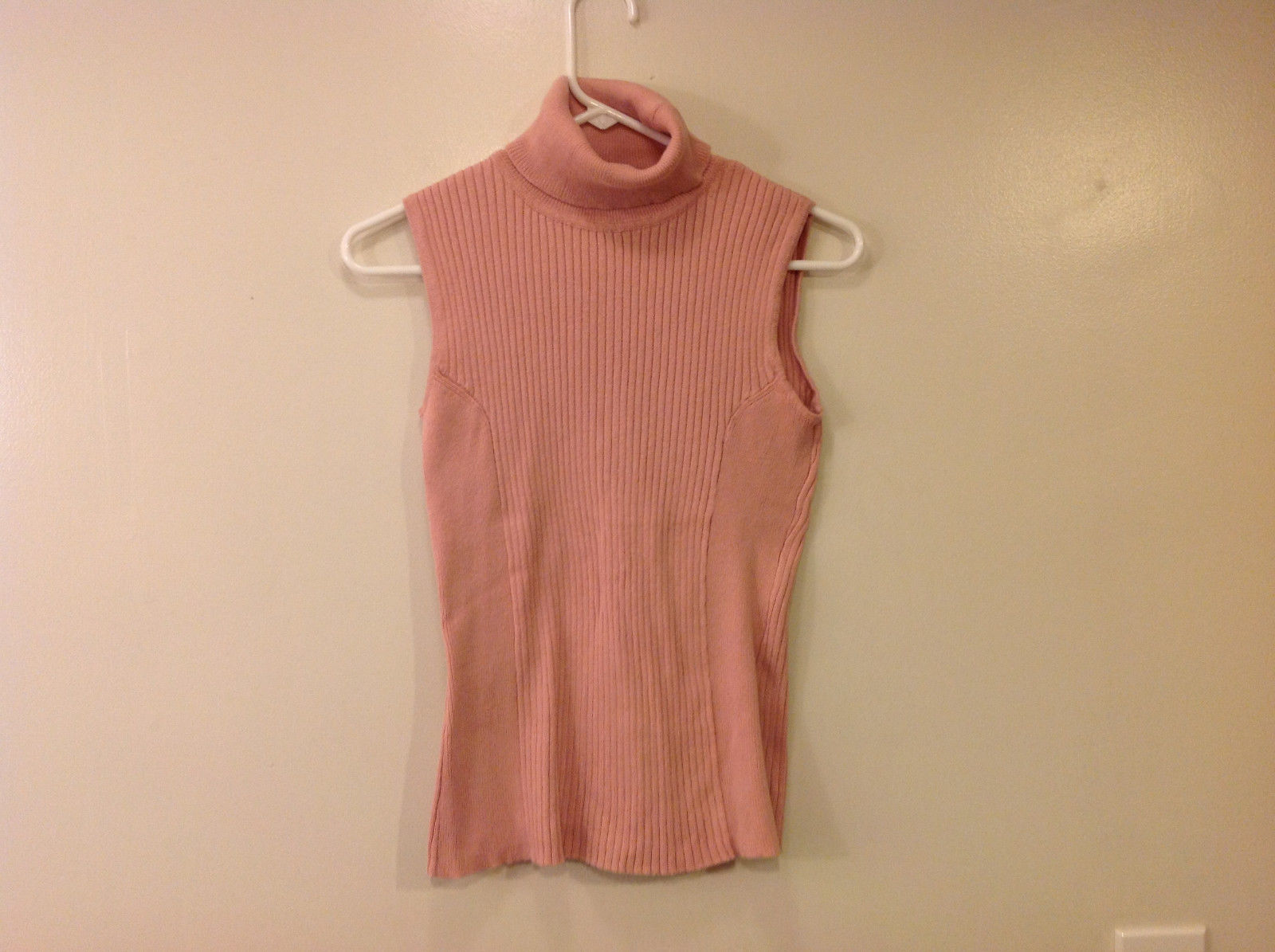 axcess Liz Claiborne Women's Size M Turtleneck Sweater Sleeveless Rose Pink